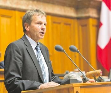 Nationalrat Erich von Siebenthal fordert den Bundesrat auf, «Gottesdienste ab sofort wieder zu ermöglichen»